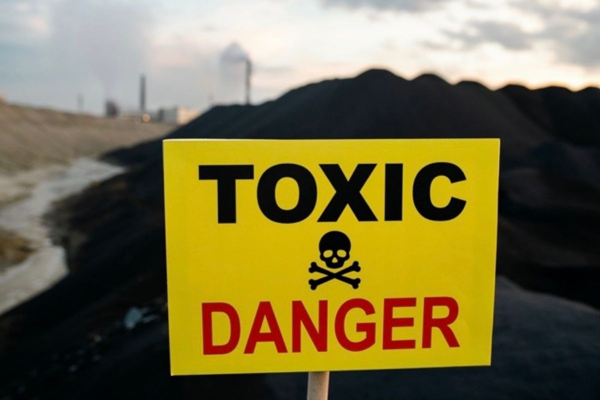Chemicals from industrial wastewater include arsenic, cadmium, chromium, mercury, lead